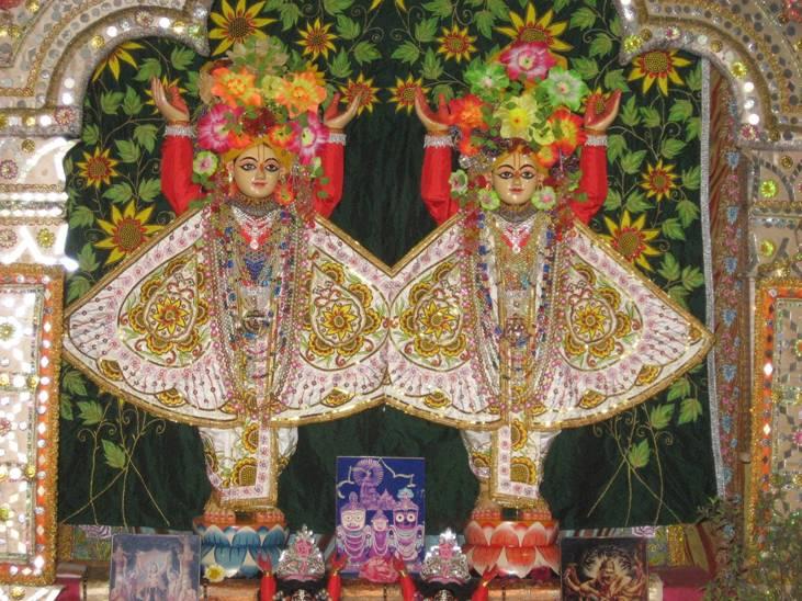 Sri Sri Nitai-Gauranga en Ekachakra_01.jpg