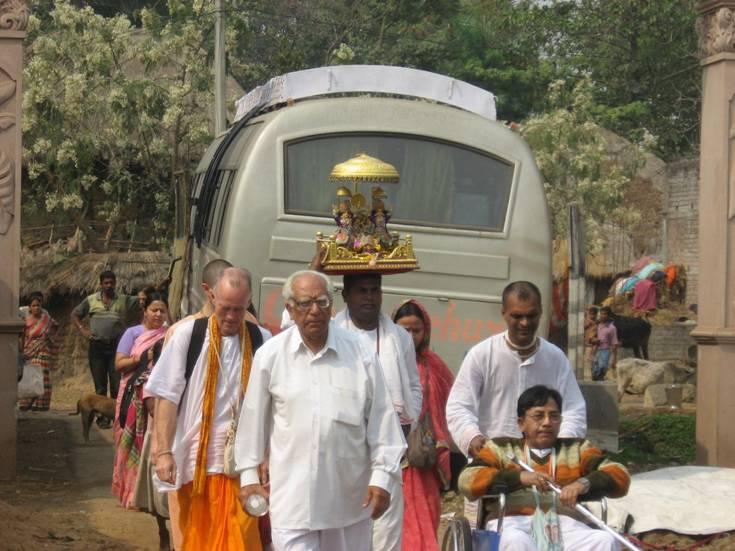 Ekachakra Dham-entrance_02.jpg