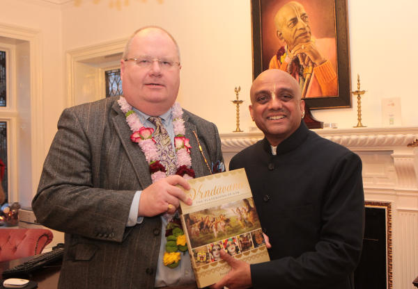 UK Cabinet Members visit Bhaktivedanta Manor for Diwali thumbnail