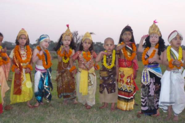 Year 1 teacher needed at Sri Mayapur International School thumbnail
