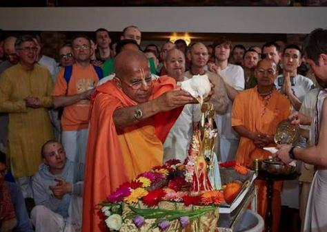 New Temporary ISKCON Temple Opens in Moscow thumbnail