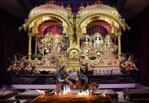 Sri Krishna Kathamrita Bindu's latest issue. * DAMODARA...
