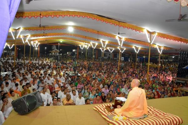 Radhanath Swami speaking at Udupi
