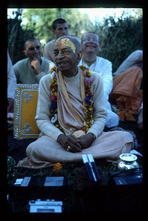 Srila Prabhupada: Simply Love Krishna!