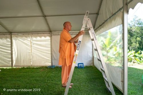 In Full Swing for the 4th annual Sacred Sounds Kirtan Retreat (Album of photos)